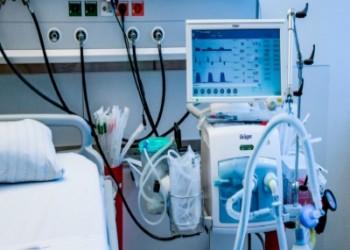 أرسل استغاثة ومات.. وفاة أول طبيب مصري بكورونا
