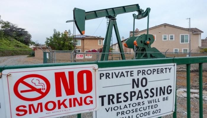 فوربس: لماذا يعد التحالف النفطي السعودي الأمريكي أمرا عبثيا؟