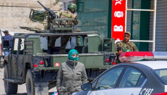 لتخفيف الضغط بالسجون.. الرئيس التونسي يعفو عن دفعة ثانية من السجناء