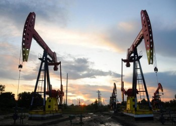 أكبر خسارة شهرية وربع سنوية بسوق النفط