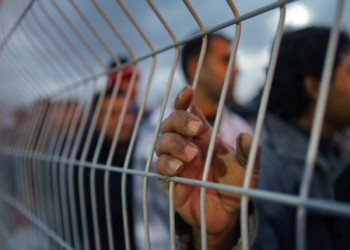 إصابة أسير فلسطيني بفيروس كورونا بعد يوم من إفراج إسرائيل عنه