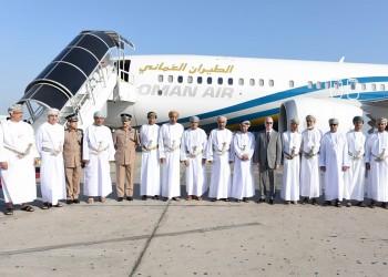 طيران عمان ينهي عمل مئات الطواقم بسبب كورونا
