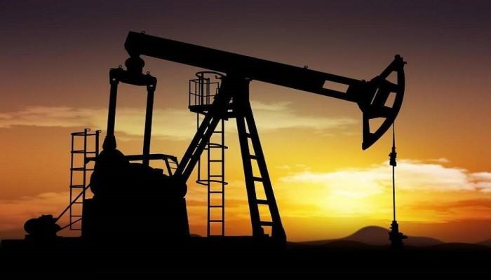 تراجع النفط ومخاوف الركود يضغطان على أغلب أسهم الخليج