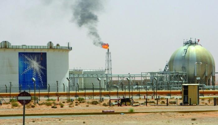 مصدر خليجي: السعودية تريد التعاون من أجل استقرار سوق النفط