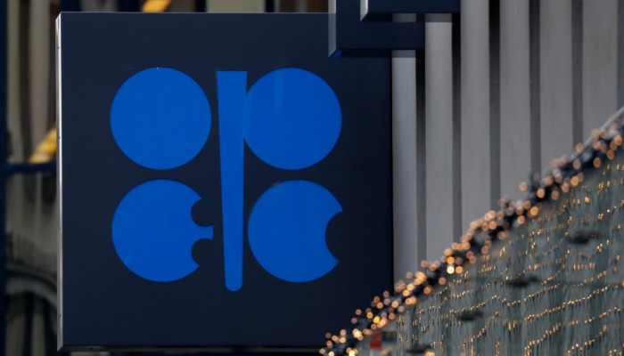 انهيار أسواق النفط اختبار صعب لتحالف أوبك+