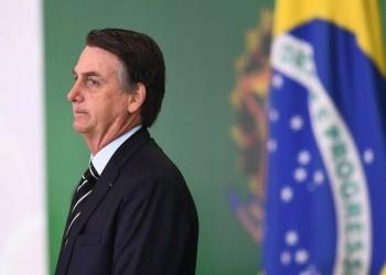 رئيس البرازيل يواصل استخفافه بكورونا