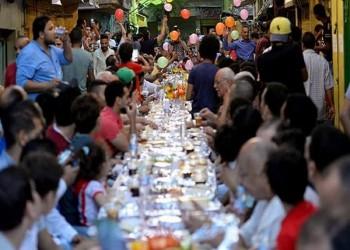 كورونا يمنع موائد الإفطار الجماعي في رمضان بمصر