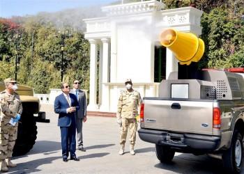 السيسي يستعرض معدات الجيش لمكافحة كورونا