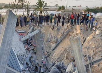 العالم في مواجهة وباء واحد... والفلسطينيون في مواجهة ثلاثة