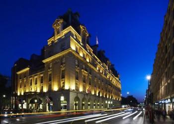 بلومبرج: الشيخة موزة والدة أمير قطر تشتري فندق ريتز لندن