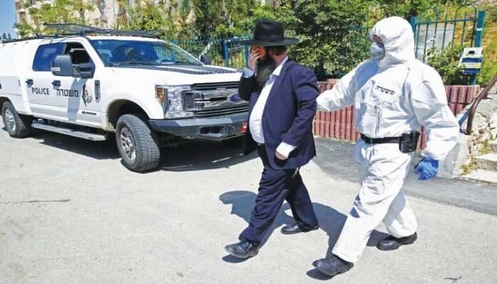 إسرائيل تنتج كمامات طبية تناسب لحى المتدينين