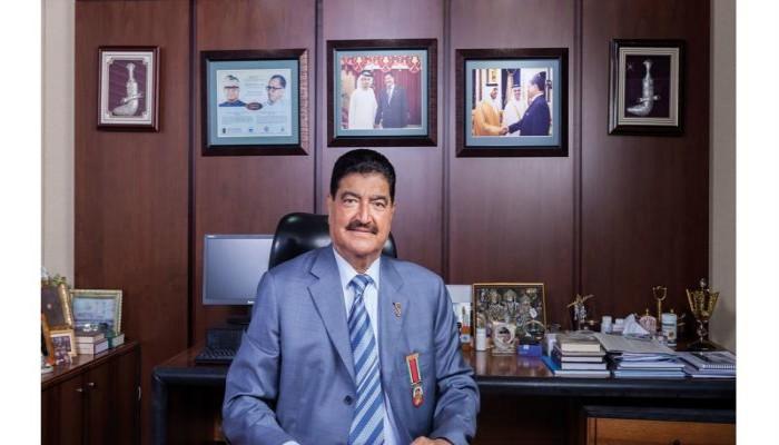 عبدالخالق عبدالله يكشف نهب 6.6 مليار دولار من 12 بنكا في الإمارات