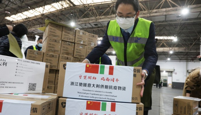 الصين تجبر إيطاليا على شراء مساعدات طبية تبرعت بها روما لبكين