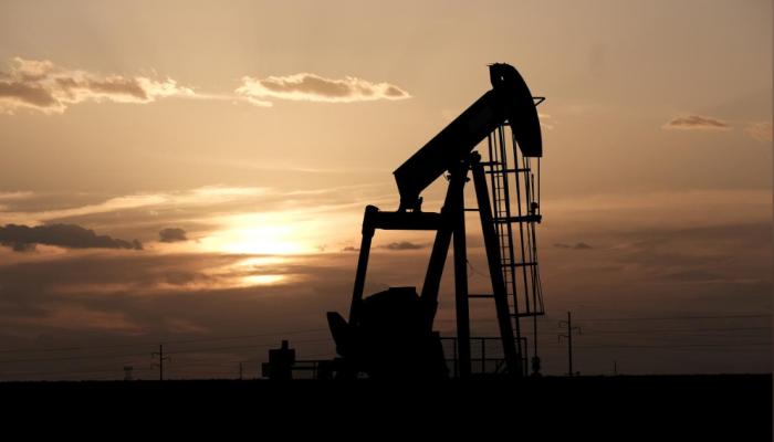 أسعار النفط ترتفع وسط تفاؤل بتوصل اجتماع أوبك+ لخفض الإمدادات