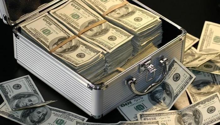 الفيدرالي الأمريكي يجهز 2.3 تريليون دولار لضخها في الأسواق