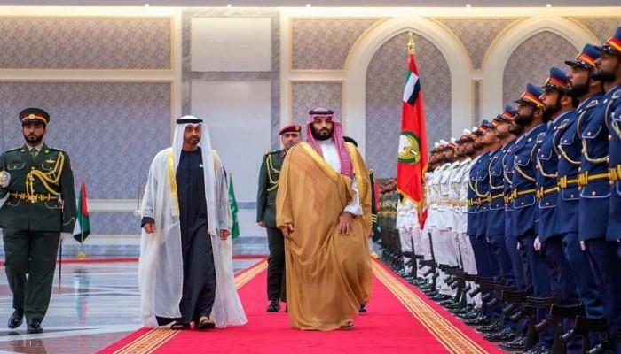 كورونا يدفع السعودية والإمارات لاستراتيجيات إقليمية متباينة