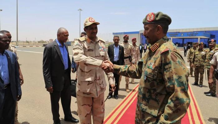 السودان.. إنهاء انتداب ضباط يكشف خلافات البرهان وحميدتي