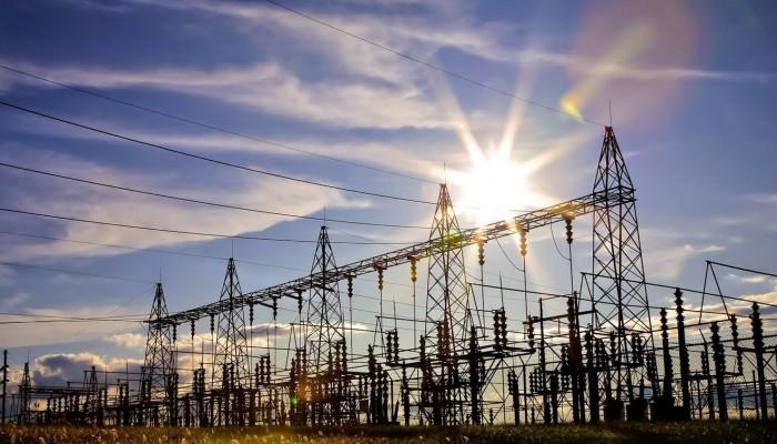 العراق يخفض استيراد الغاز والكهرباء من إيران بنسبة 75%