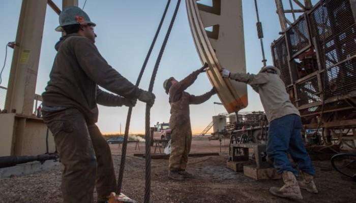 بـ5 دولارات للبرميل.. النفط الأمريكي يهوي لأدنى مستوى له بالتاريخ