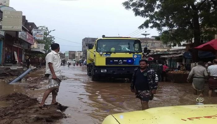 اليمن.. سيول عدن تخلف 8 وفيات و4 إصابات و76 منزلا مدمرا