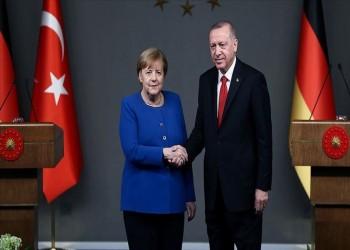 أردوغان وميركل يبحثان التعاون لمواجهة كورونا