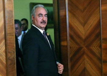 جبهة متصدعة ومشروع تقسيم.. ماذا وراء إعلان حفتر نفسه حاكما لليبيا؟