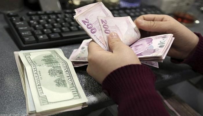العملة التركية تهبط إلى 7.0 ليرات مقابل الدولار