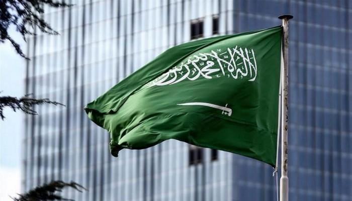 كاتب سعودي يهاجم دعاة التطبيع ويصفهم برويبضة تويتر