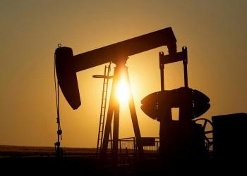 تخمة المعروض والمخاوف من كورونا تدفع النفط للهبوط