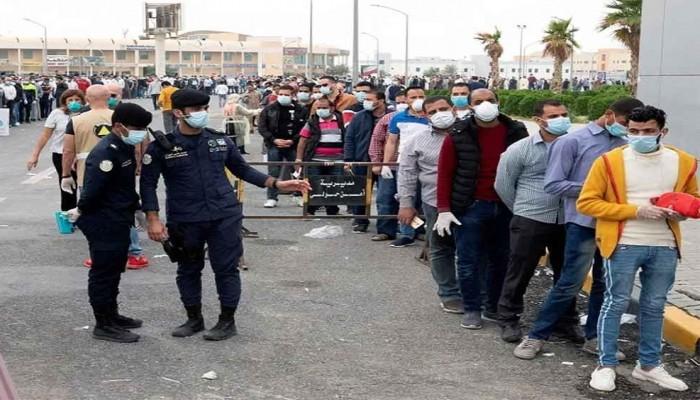 الكويت تتخذ إجراءات صارمة ضد الدول المماطلة في إعادة عمالتها المخالفة