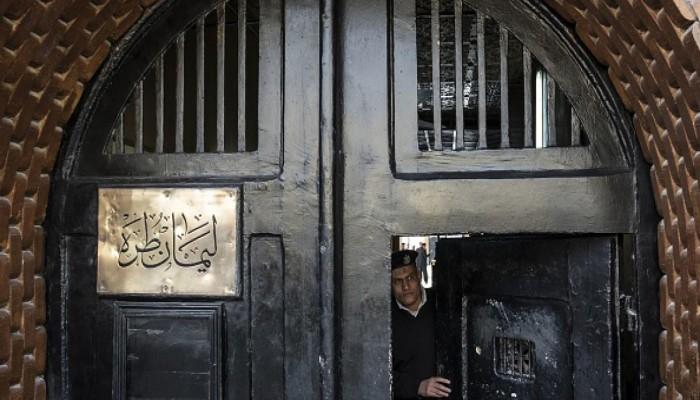 رايتس ووتش تدعو مصر للنظر في قرارات تمديد الحبس الاحتياطي