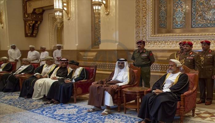 أول اتصال هاتفي.. أمير قطر وسلطان عمان يبحثان التطورات الإقليمية