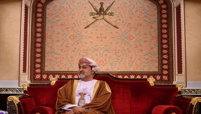 سلطان عمان يعفو عن مئات السجناء بينهم 301 أجنبي
