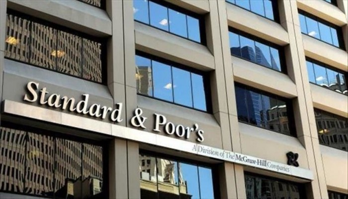 ستاندرد آند بورز تتوقع ارتفاع حجم القروض المتعثرة للبنوك الإماراتية