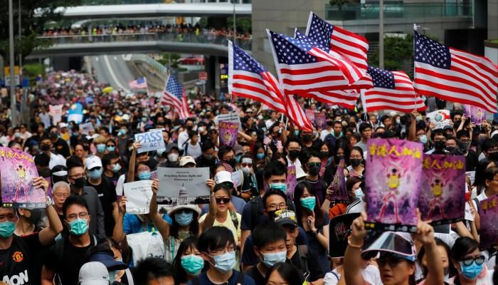 مشروع صيني ينذر بتفجر الأوضاع في هونج كونج.. وأمريكا تستعد للرد