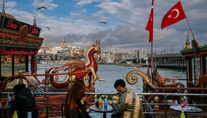 99% انخفاضا في أعداد السائحين بتركيا في أبريل