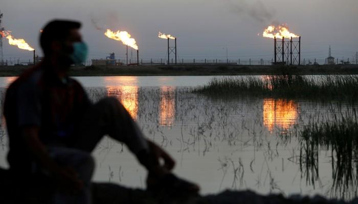 النفط ينزل بفعل توتر صيني أمريكي وشكوك حيال الطلب