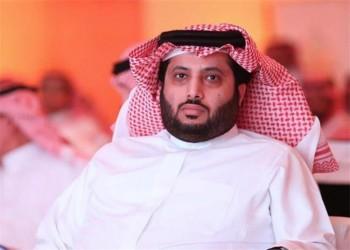 تركي آل الشيخ يحطم شاشة تلفزيون بعد خسارته مباراة بلاي ستيشن