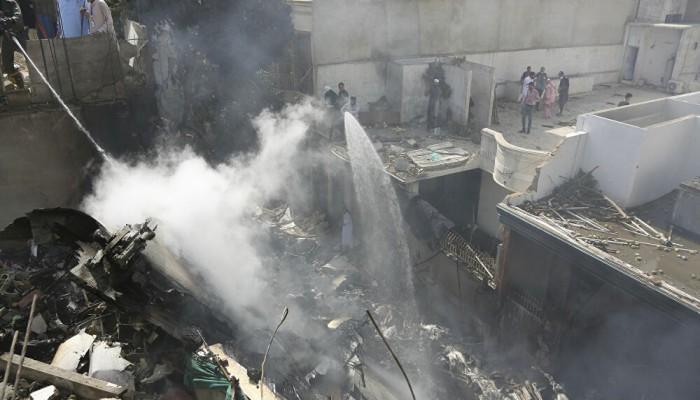 ناج من حادثة الطائرة الباكستانية يروى لحظات الكارثة