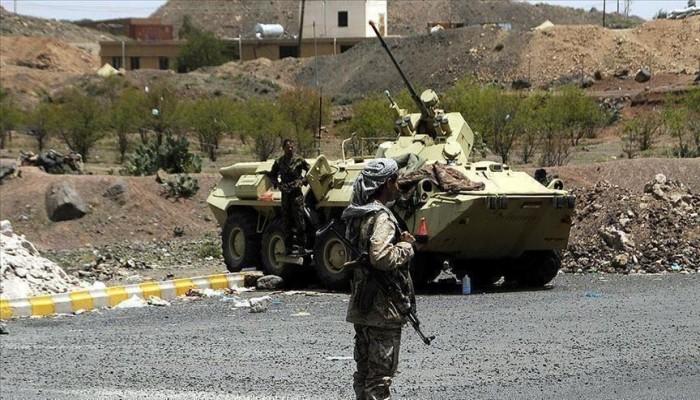 الحكومة اليمنية تتهم الحوثيين بإعدام قائد بالجيش والتمثيل بجثته