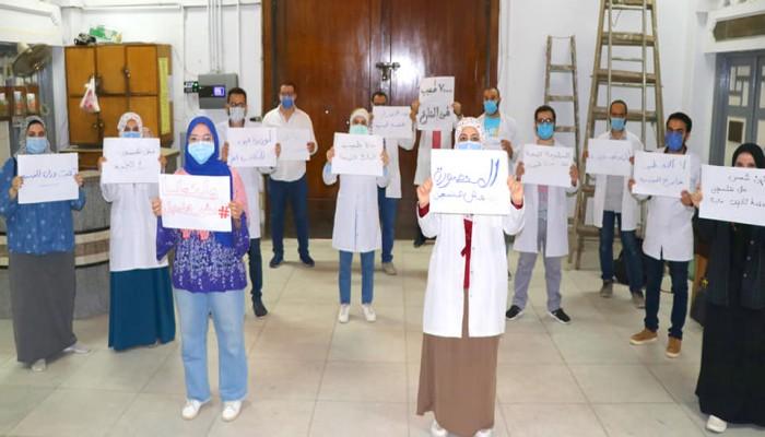 7 آلاف طبيب مصري يرفضون تكليف وزارة الصحة