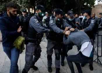 القوات الإسرائيلية تعتدي بوحشية على المصلين بالمسجد الأقصى
