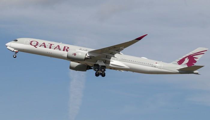 هبوط أول طائرة قطرية في مطار المنامة منذ الحصار