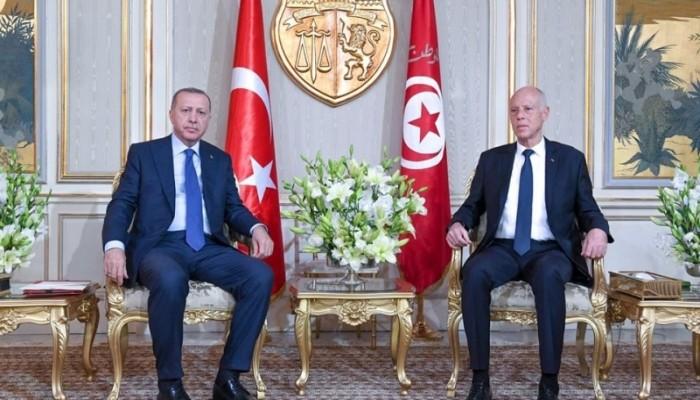 أردوغان وقيس سعيد يبحثان العلاقات الثنائية
