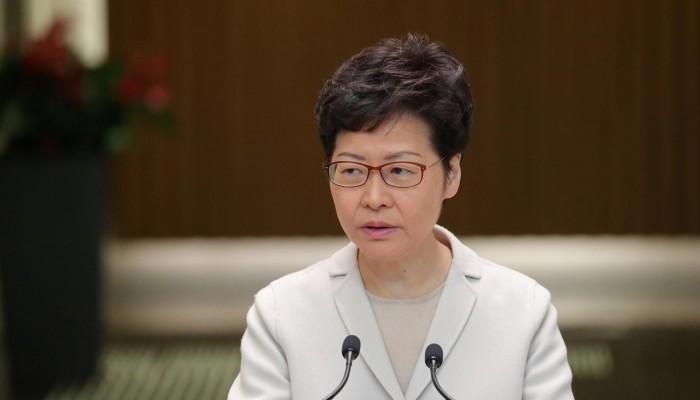 الرئيسة التنفيذية لهونج كونج تدافع عن قانون صيني لأمن الإقليم