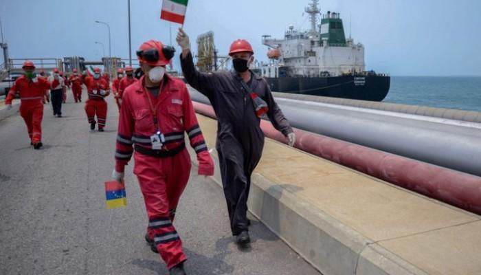ناقلة نفط إيرانية ثالثة تصل إلى المياه الفنزويلية