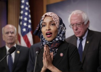 إلهان عمر تقارن بين دور السعودية وإسرائيل في أمريكا