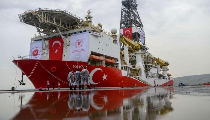 تركيا تبدأ التنقيب في البحرين المتوسط والأسود قريبا