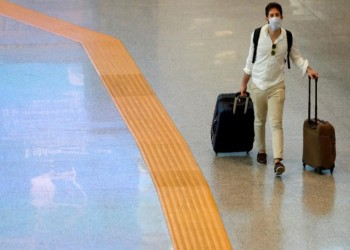 طبيب إيطالي بارز: فيروس كورونا المستجد يفقد قوته