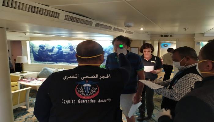 مصر تتجاوز حاجز الألف وفاة بفيروس كورونا